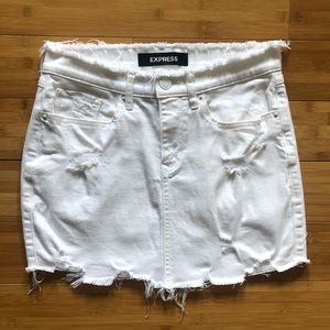 Express White Distressed Denim Skirt - Size 0